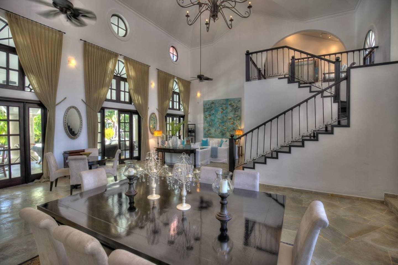 Luxury 4-Bedroom Estate Villa, Truly Beautiful. photo 25682459