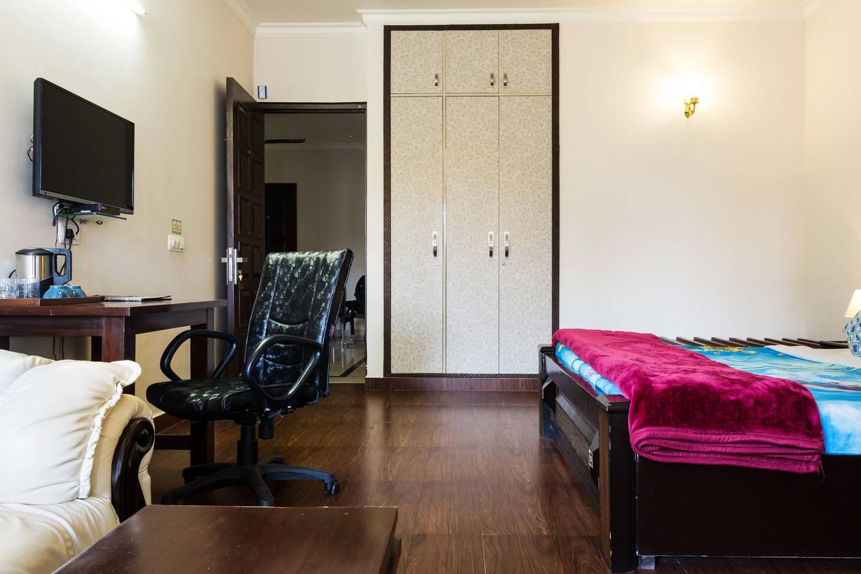 Apartment Studio Apartment w kitchen   Central Gurugram photo 18844735