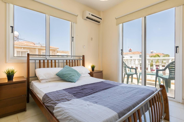 Apartment Villa Croeso - 3 Bedroom Villa with FREE WiFi   TV photo 18619460