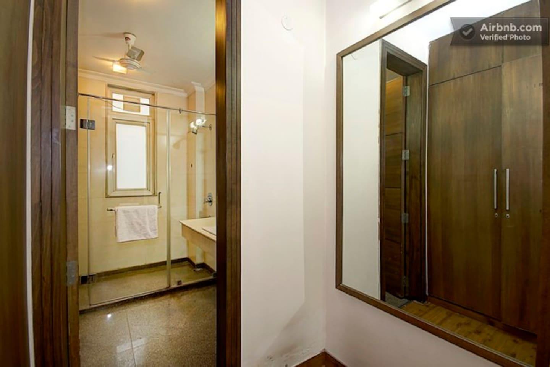 2 BHK Serviced Apartment Cyber Park (Perch) photo 19275722