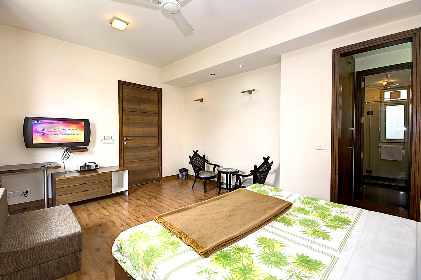 1 BHK Serviced Apt in awarded BnB Property photo 19657149