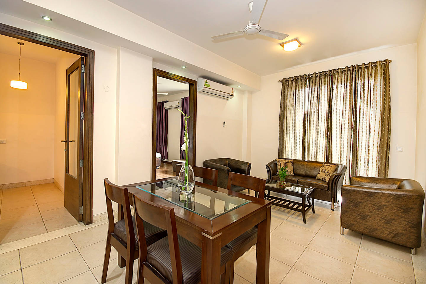 Apartment 1 BHK Serviced Apt in awarded BnB Property photo 19657159