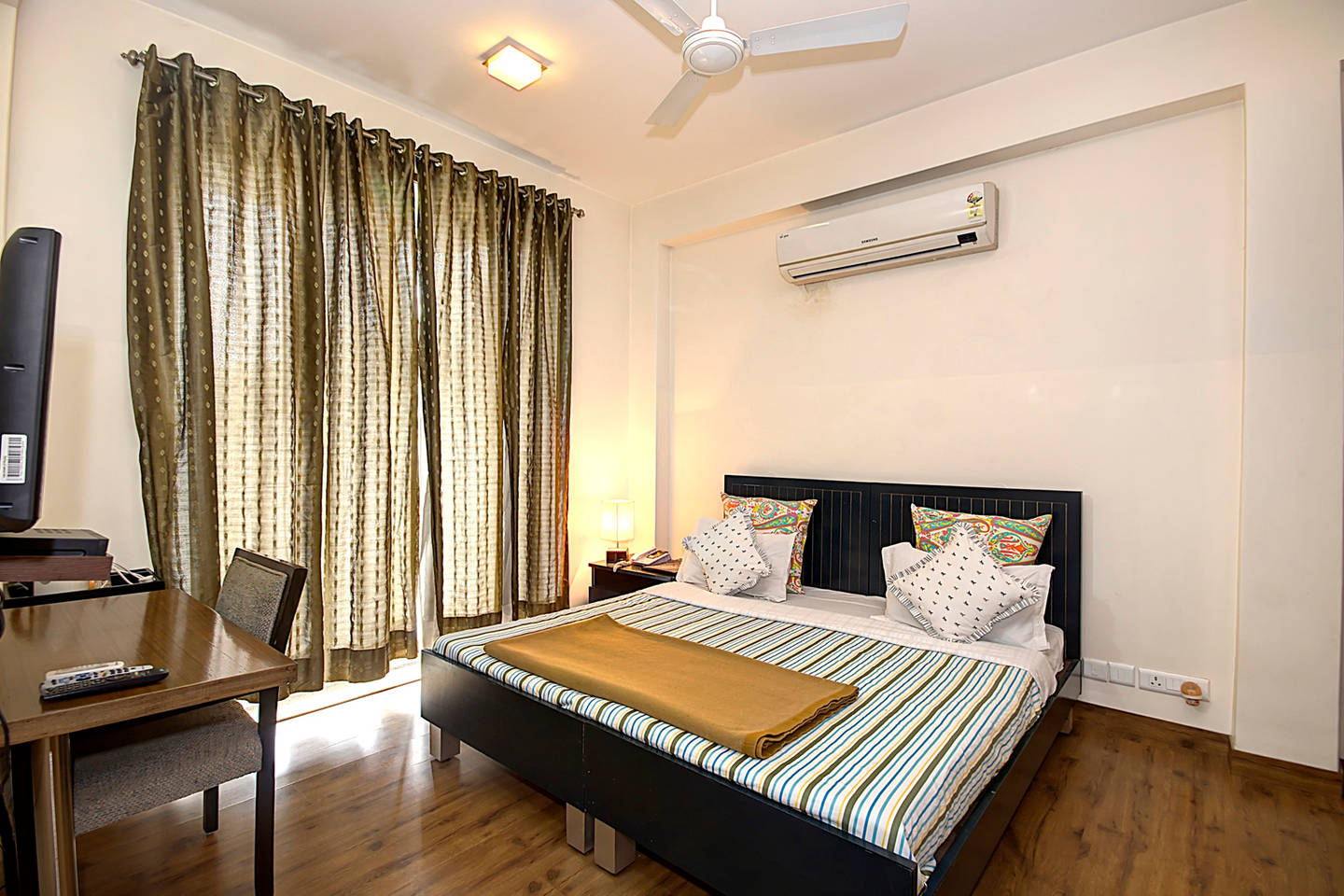 1 BHK Serviced Apt in awarded BnB Property photo 19788469