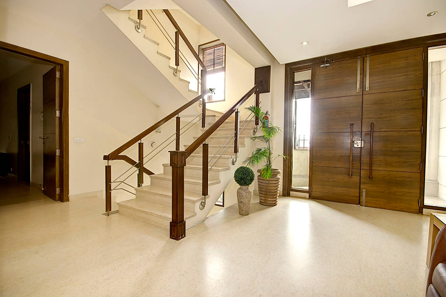 1 BHK Serviced Apt in awarded BnB Property photo 18559895