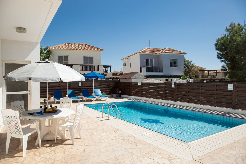 Apartment Villa Oceana - Modern 2 Bedroom Villa with Pool photo 18832892