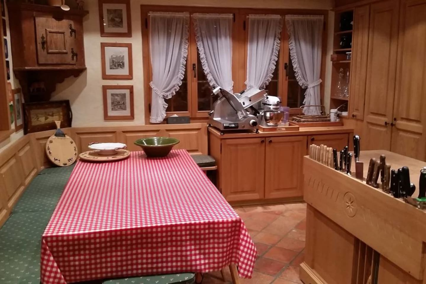 Gstaad - Luxury Flat in Rougemont with Great Views photo 25939032