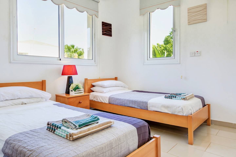 Villa Thomas, 3 Bedroom Villa with Pool and Slide! photo 17025587