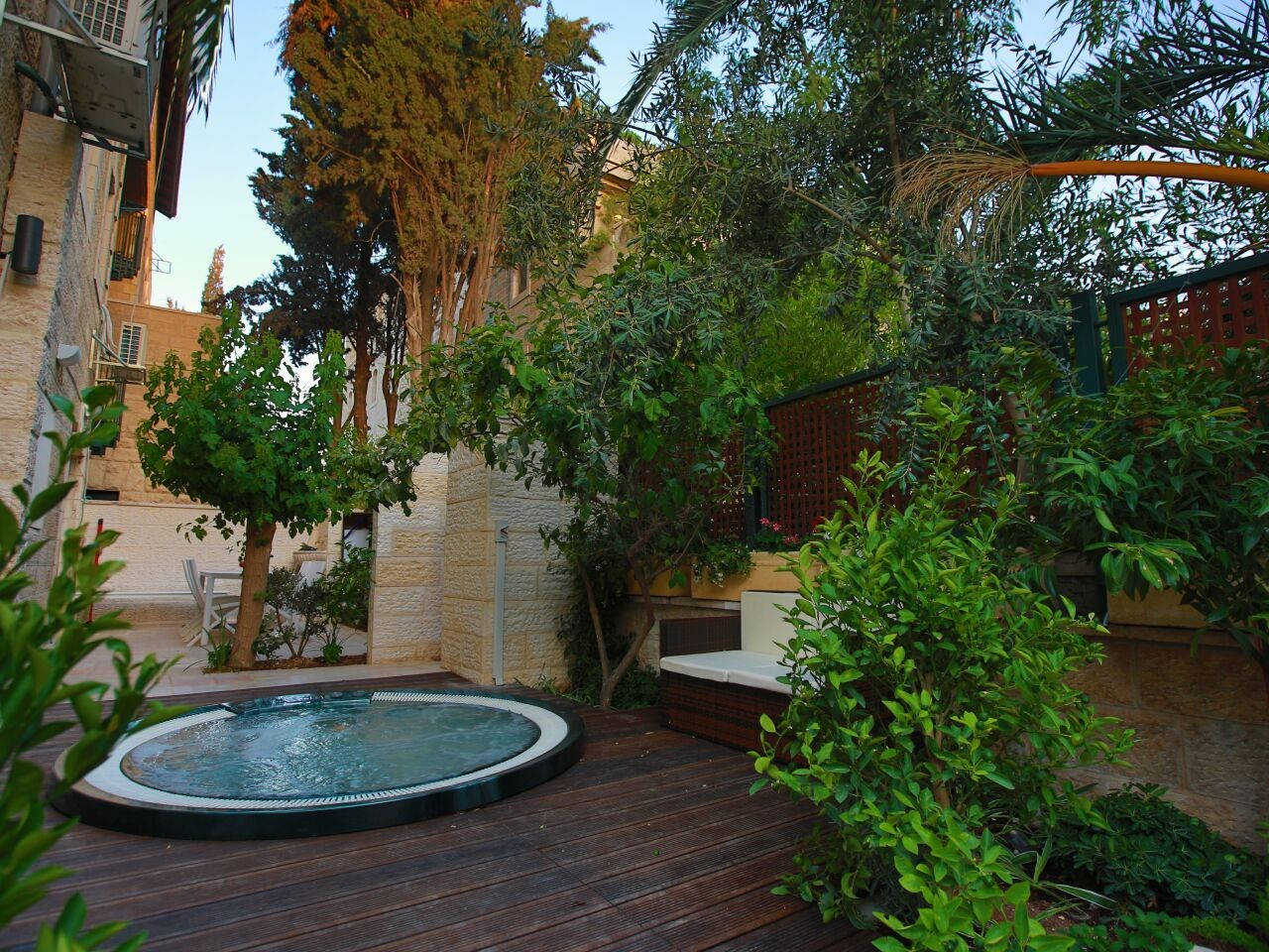 Amazing Duplex with private Garden and Jacuzzi photo 16819080