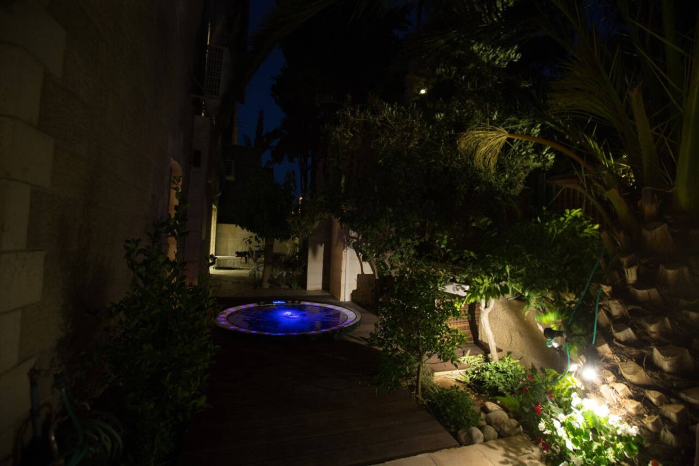Apartment Amazing Duplex with private Garden and Jacuzzi photo 16819108