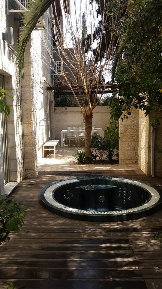 Apartment Amazing Duplex with private Garden and Jacuzzi photo 16819140