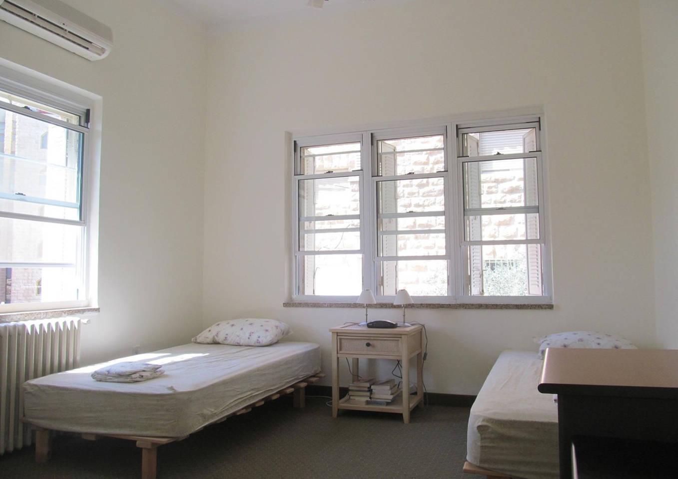 Central 2 BR kosher apartment next to Mamilla photo 28510546
