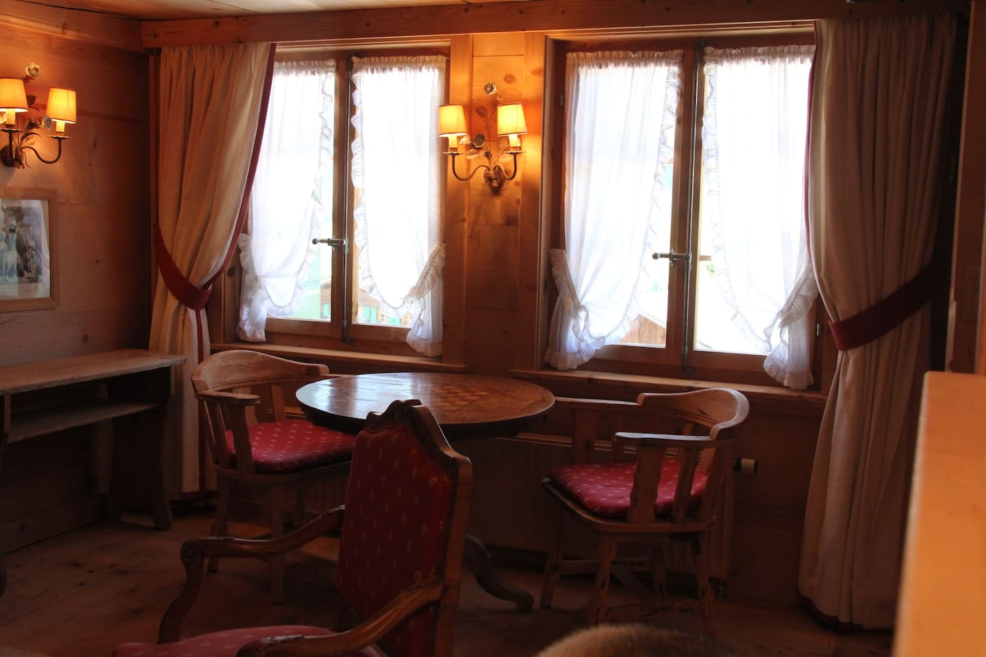 Apartment Greatly Renovated 400 Year Old Chalet near Gstaad photo 25938884