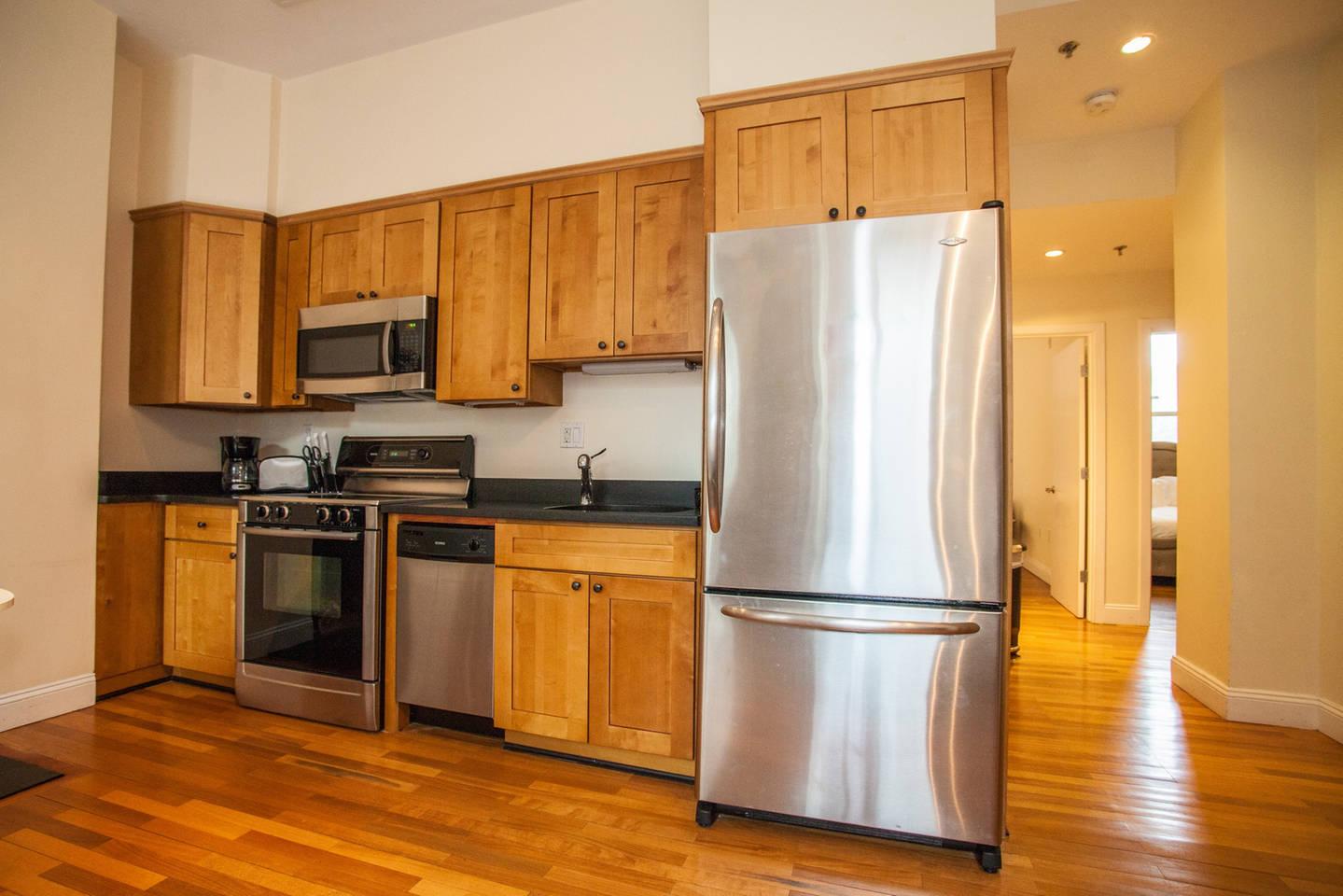 Luxe Condo Back Bay Boston-3 Bedrooms & 2 Baths photo 16366302