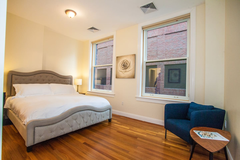 Apartment Luxe Condo Back Bay Boston-3 Bedrooms   2 Baths photo 16814026
