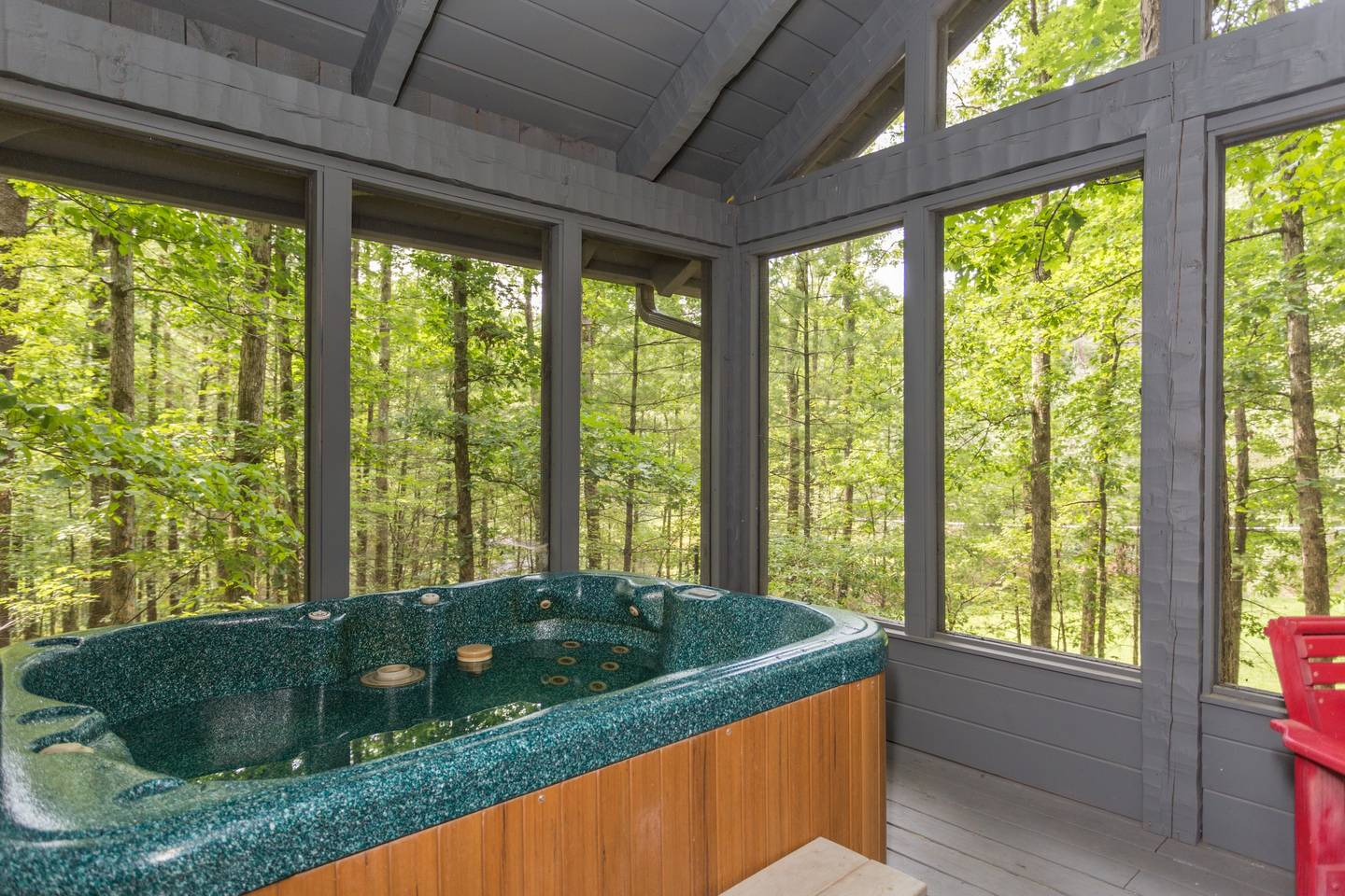 Cozy/Convenient 2 PF Parkway/Screened In Porch photo 17074088