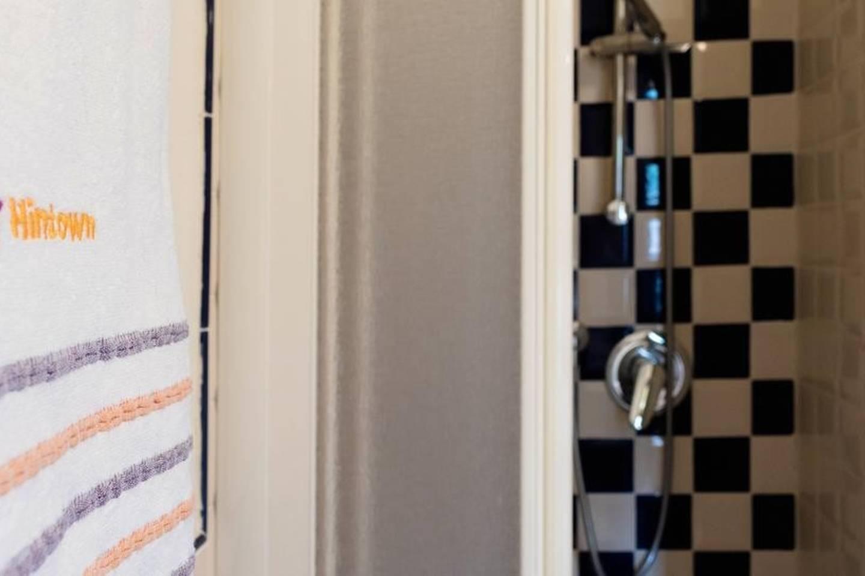 Apartment Camera rosa photo 17985336