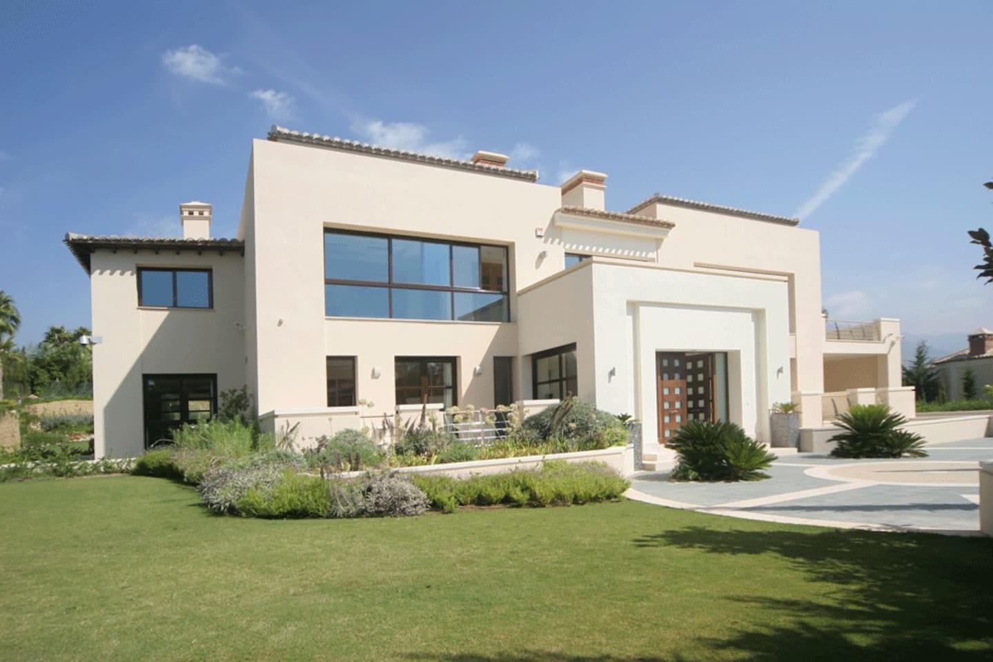Luxurious villa in Puerto Banus - 10 min to Marina photo 16030469