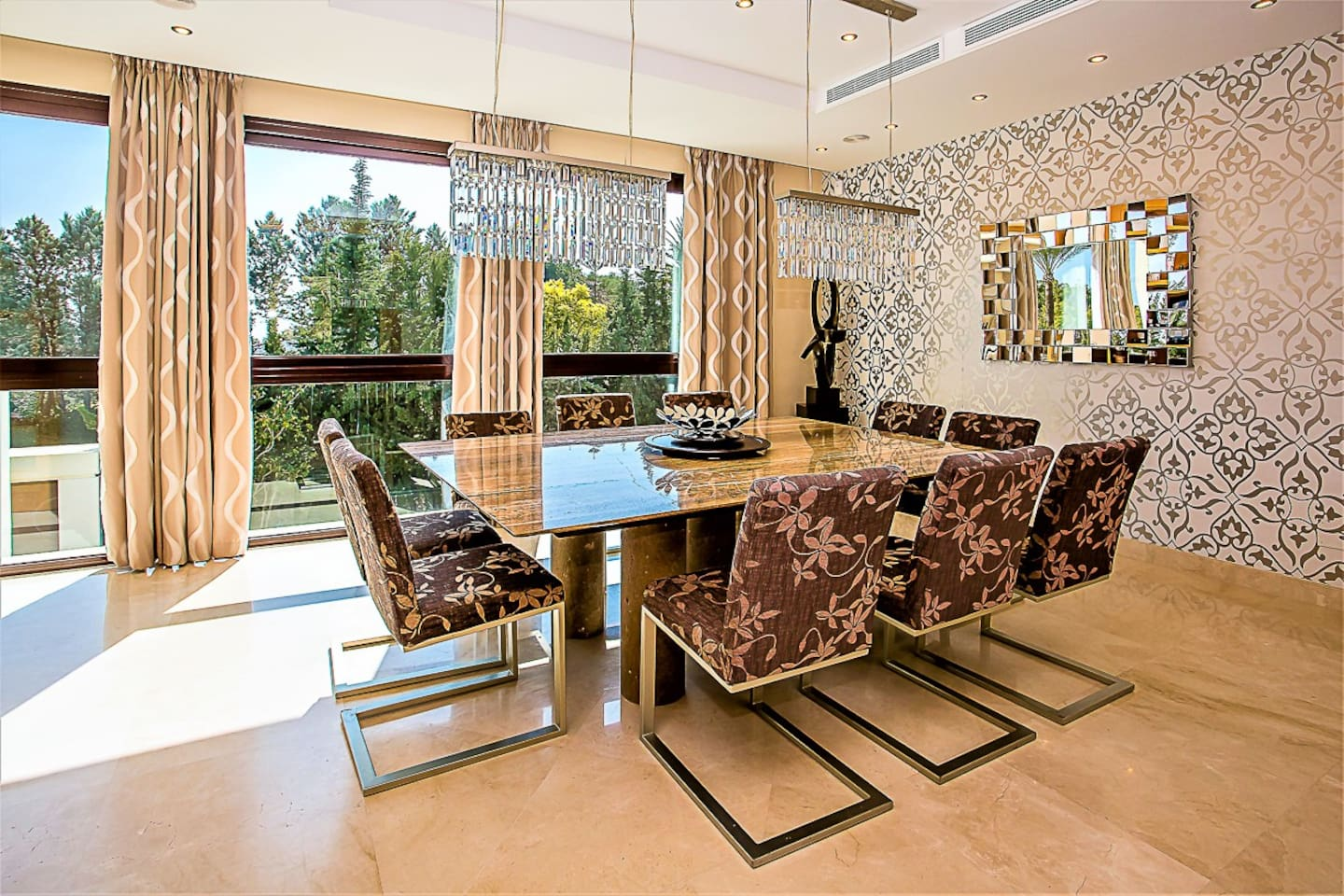 Luxurious villa in Puerto Banus - 10 min to Marina photo 25639420