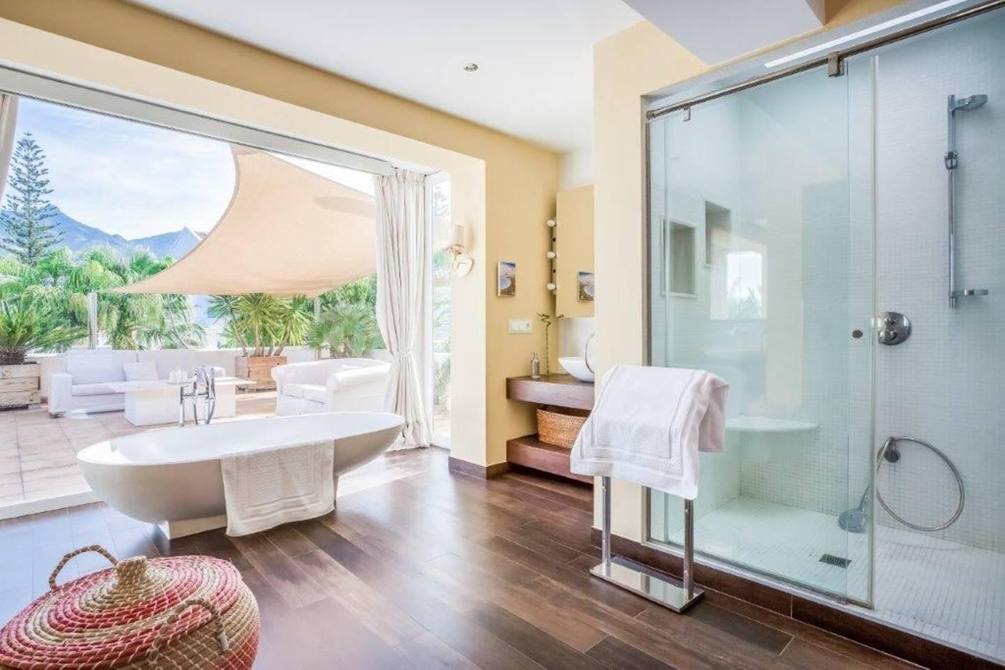 Apartment Amazing Villa right next to Beach - Top Location photo 16973668