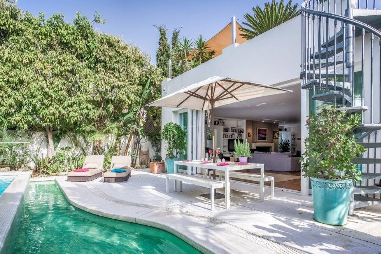 Apartment Amazing Villa right next to Beach - Top Location photo 16819208