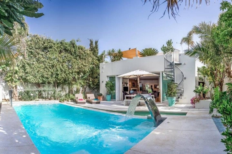 Apartment Amazing Villa right next to Beach - Top Location photo 16819210