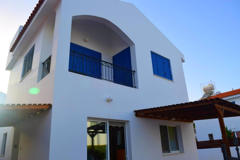 Villa Cresslan - 2 Bedroom Villa - 100m from Beach photo 25912379
