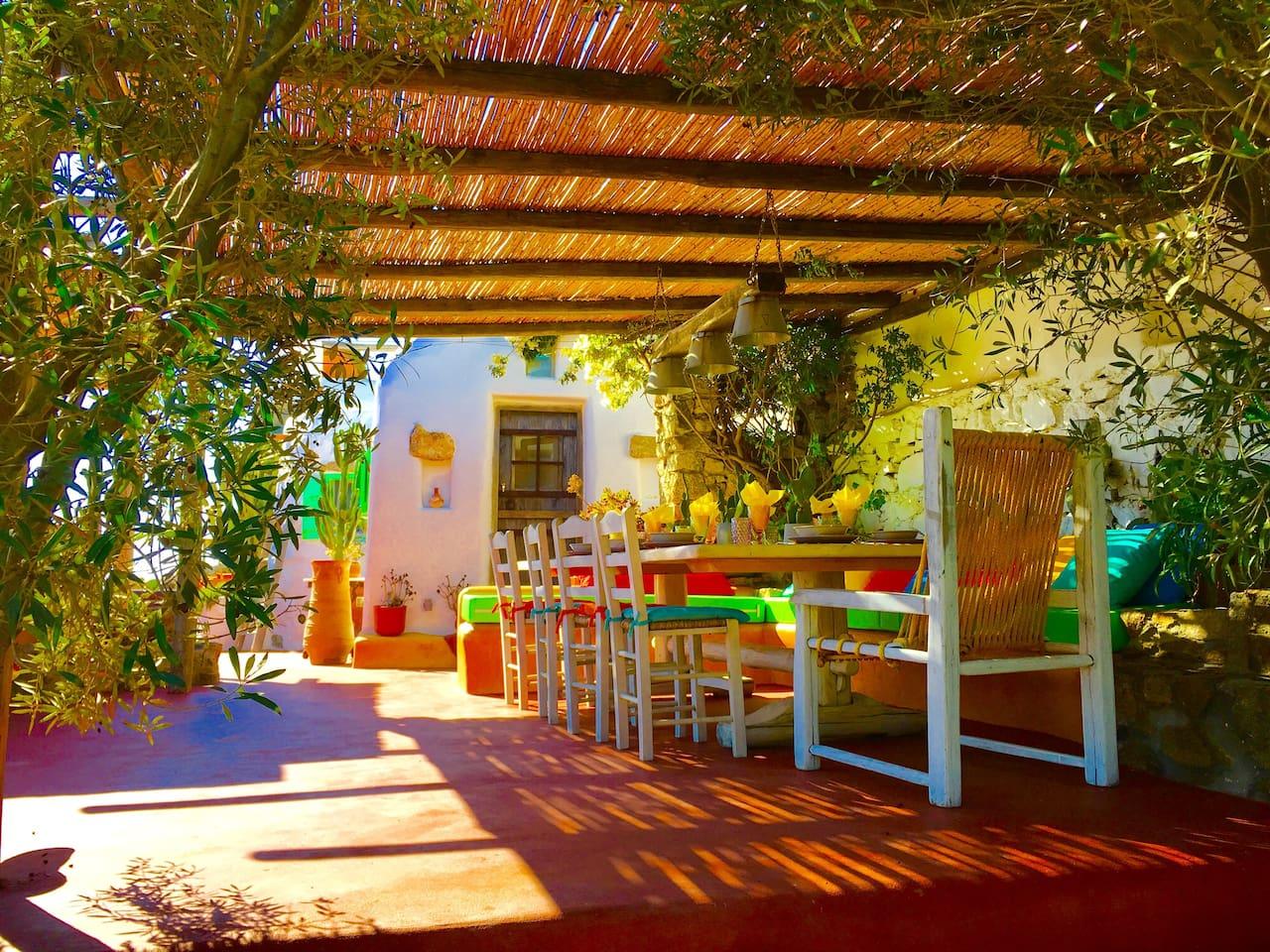 Apartment Spoiling artistic villa - stuning panoramic views photo 16972796