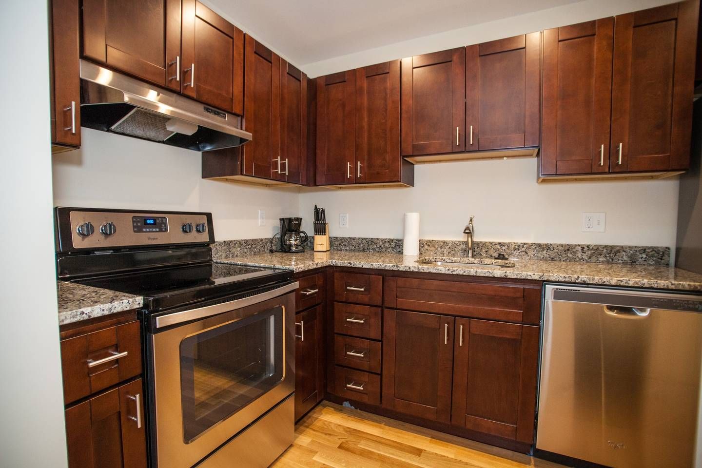 4 Beds & 2 Bath ~ Best Location in Downtown Boston photo 15956133