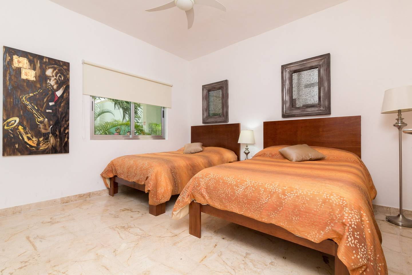 Luxury Condo step away from the sea photo 16038840