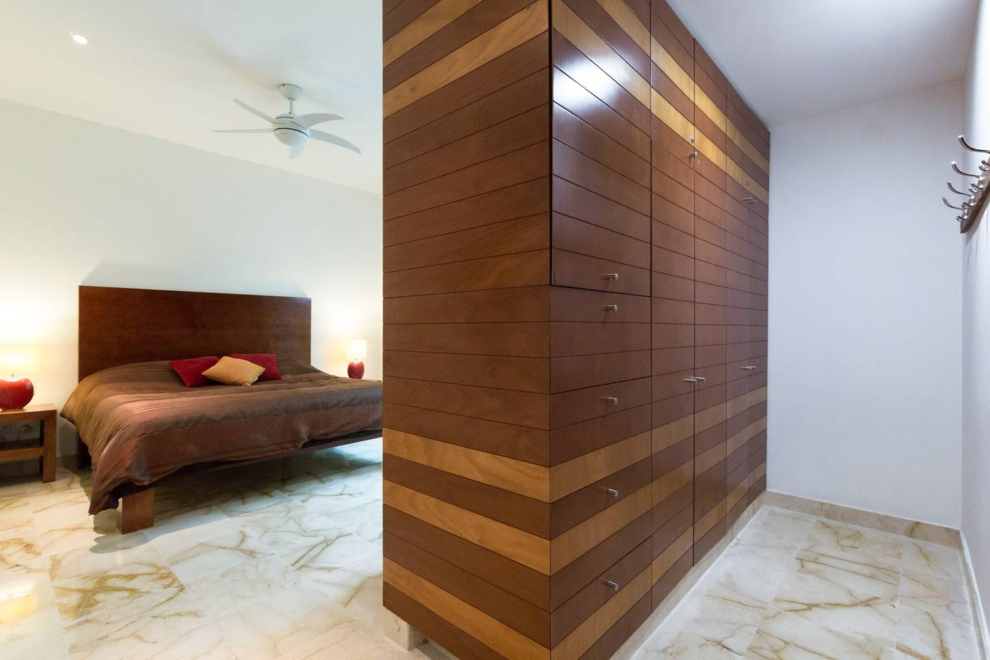 Apartment Luxury Condo step away from the sea photo 16979684