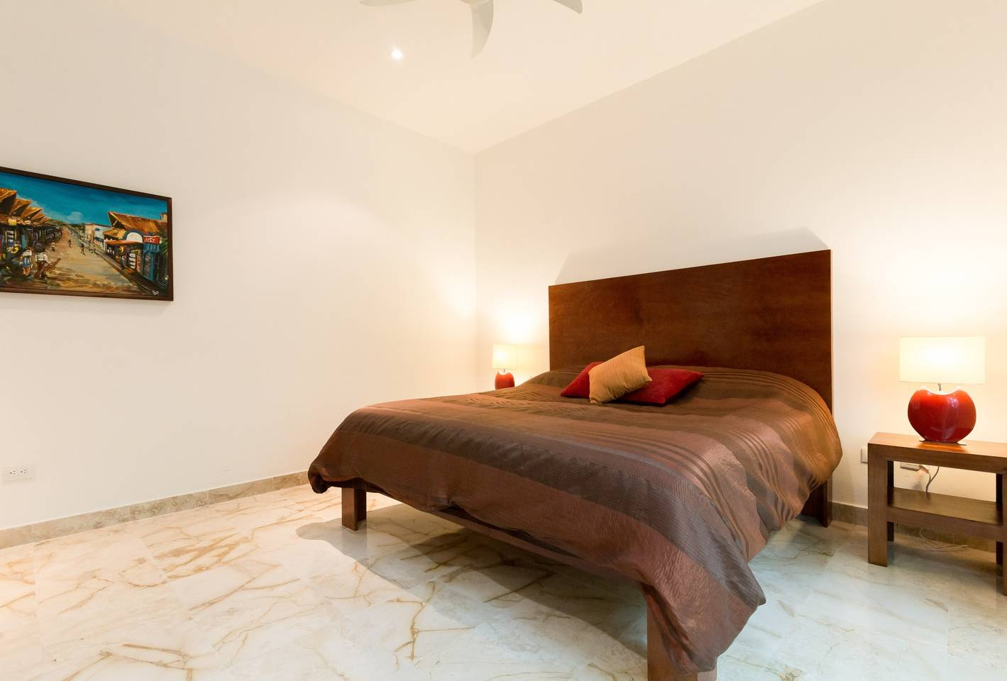 Apartment Luxury Condo step away from the sea photo 16979680