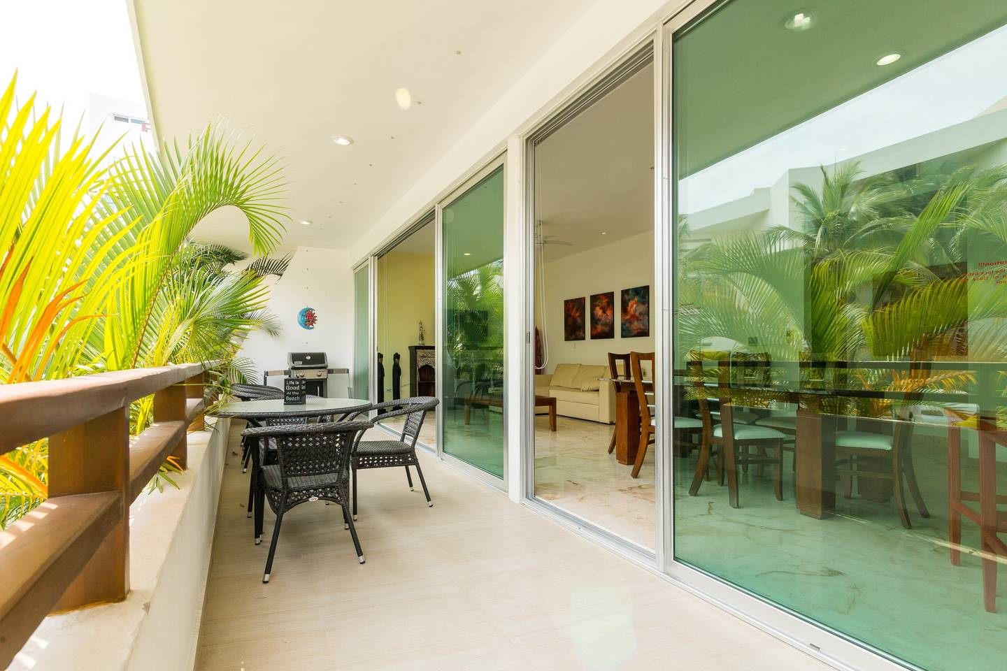 Luxury Condo step away from the sea photo 16269760