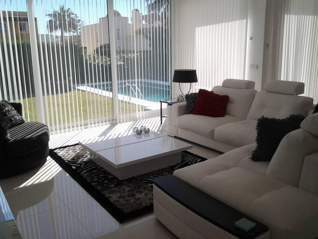 luxury 6 rooms villa with pool & jacuzzi - P.banus photo 25684318