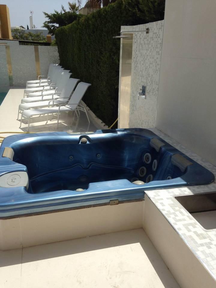Apartment luxury 6 rooms villa with pool   jacuzzi - P banus photo 25684324
