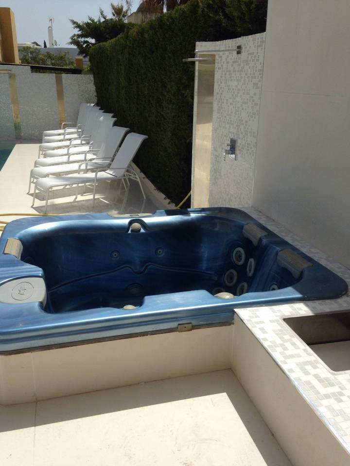 Apartment luxury 6 rooms villa with pool   jacuzzi - P banus photo 25684325