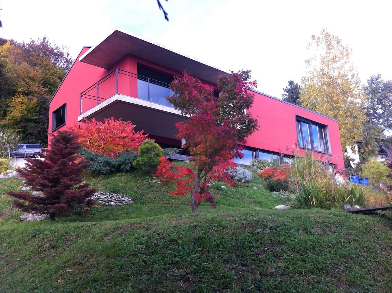 Modern artistic villa with unbeliveble lake views photo 28629623
