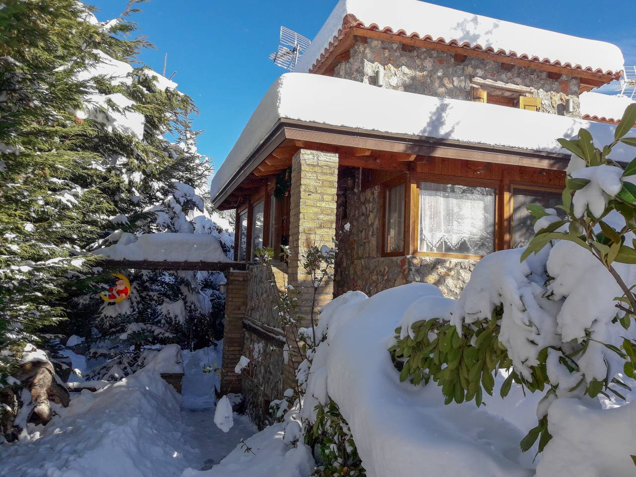 Ferienhaus The perfect family abode for vacation in Arachova (3bed/3bath) Sleeps 7! (2421895), Arachova, , Zentralgriechenland, Griechenland, Bild 2