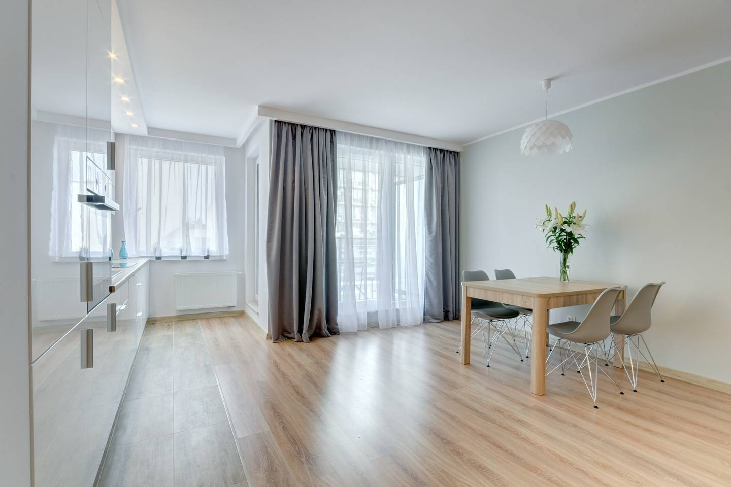 Modern apartment near the see photo 13982132