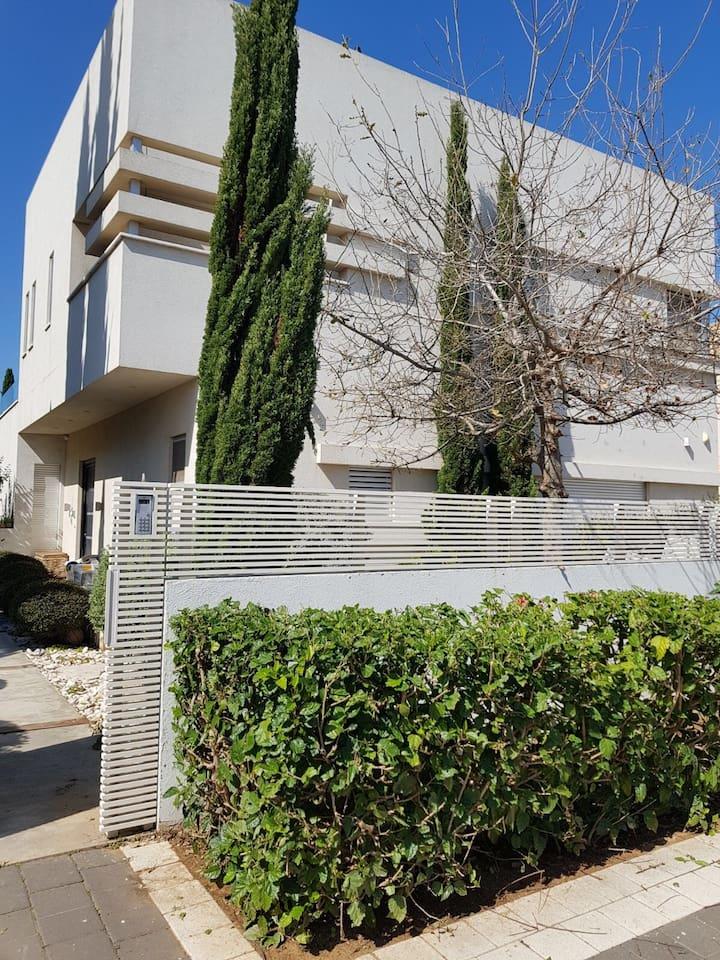 Apartment Gorgeous villa with a cinema room in Caesarea photo 25979764