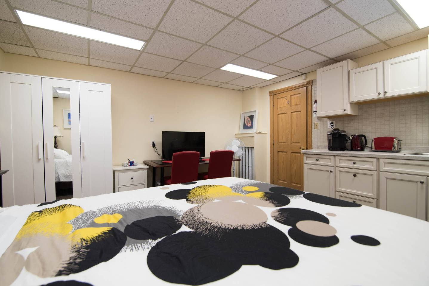 Apartment One BD  Studio  Central  Parking  Unit 4 photo 18445309