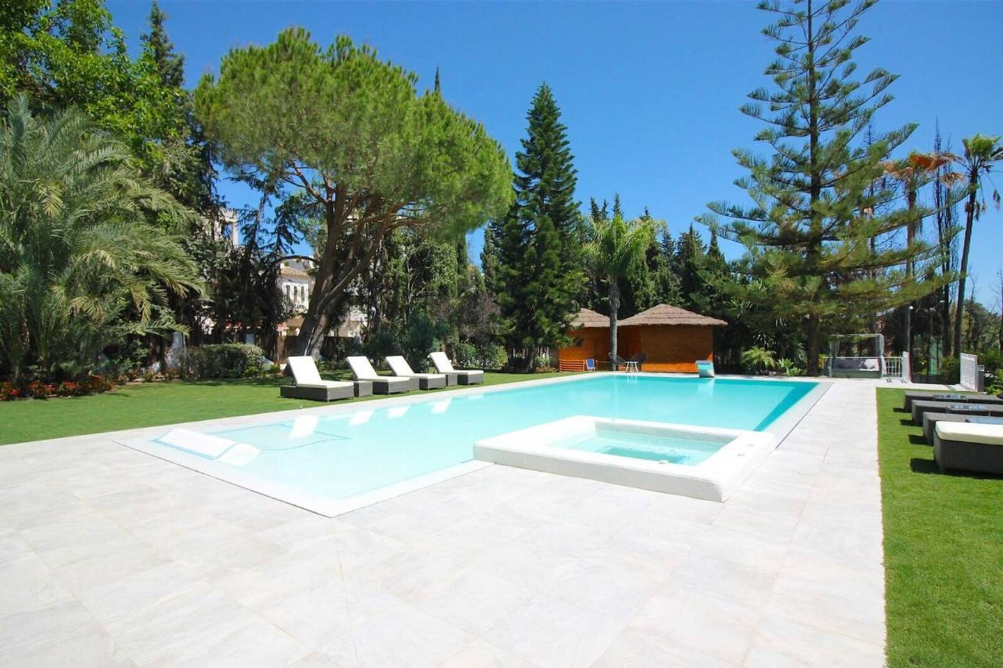 Apartment CHIC Spanish Villa pool   spa next to golf cours photo 25684338