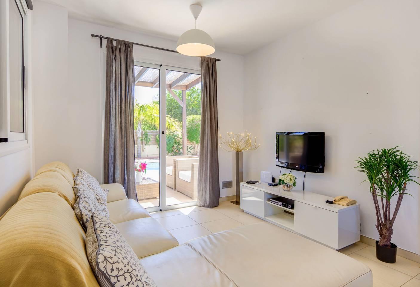 3/4 Bedroom Villa with Private Pool - Nissi Beach photo 25600938