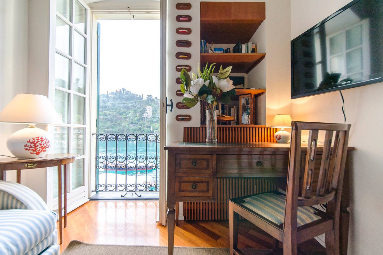 Apartment Hintown Stylish Seaview Apartment in Portofino photo 18094610