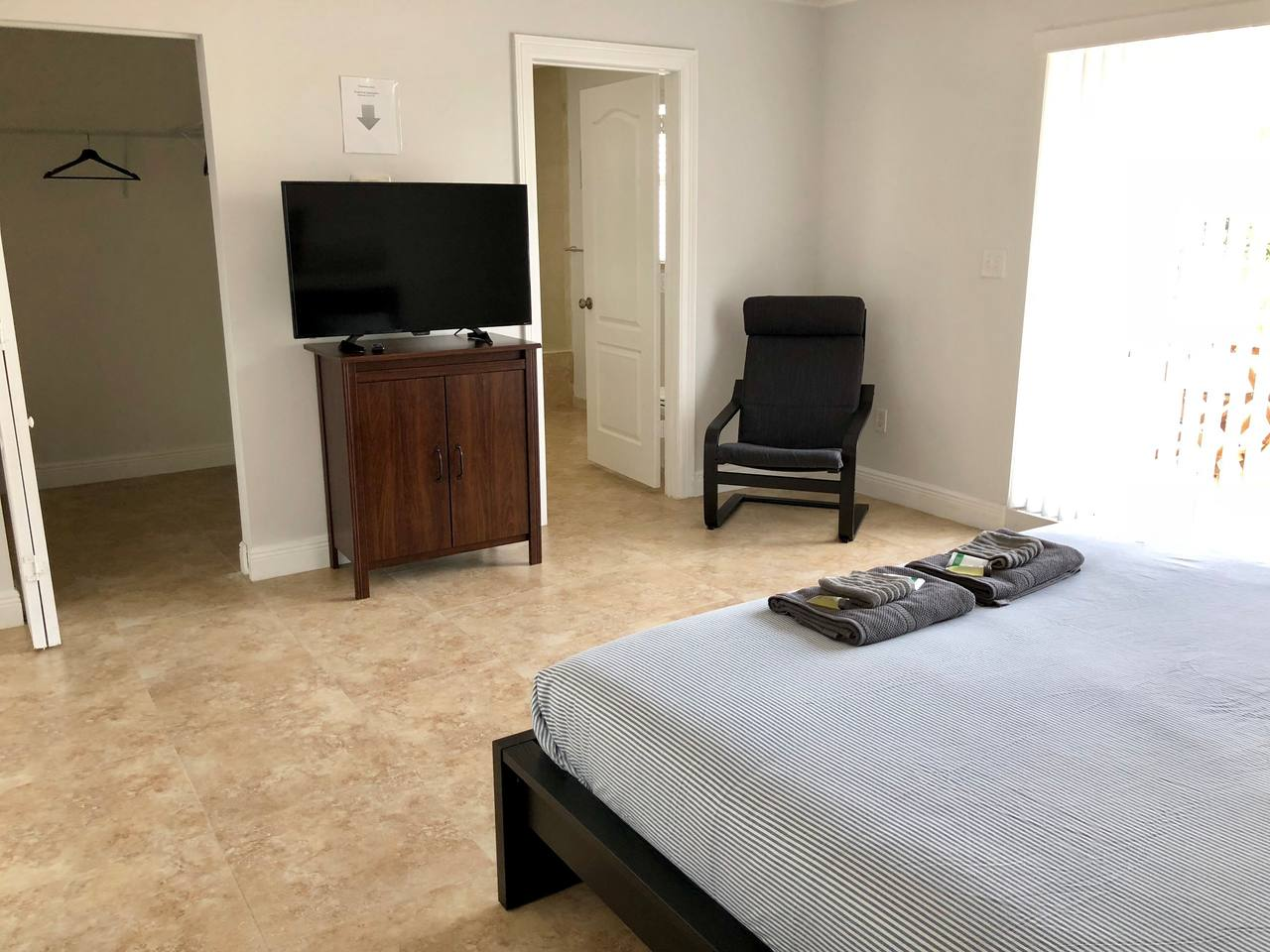 Apartment Modern House close to Port and everything in FLL photo 17050819