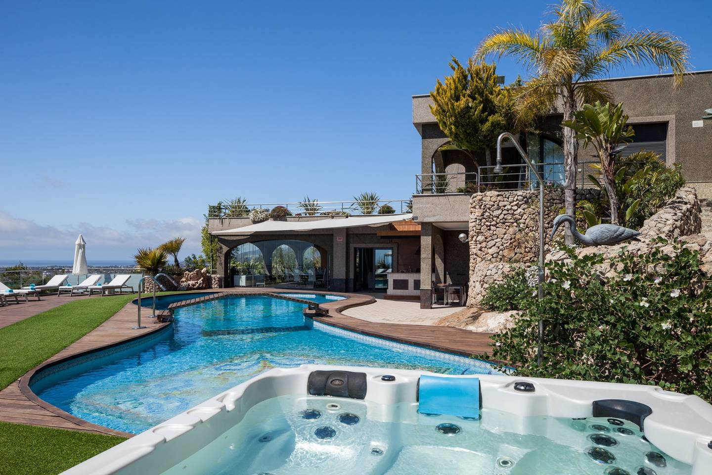 Amazing luxurious 10 BR Villa with stunning views photo 28573187
