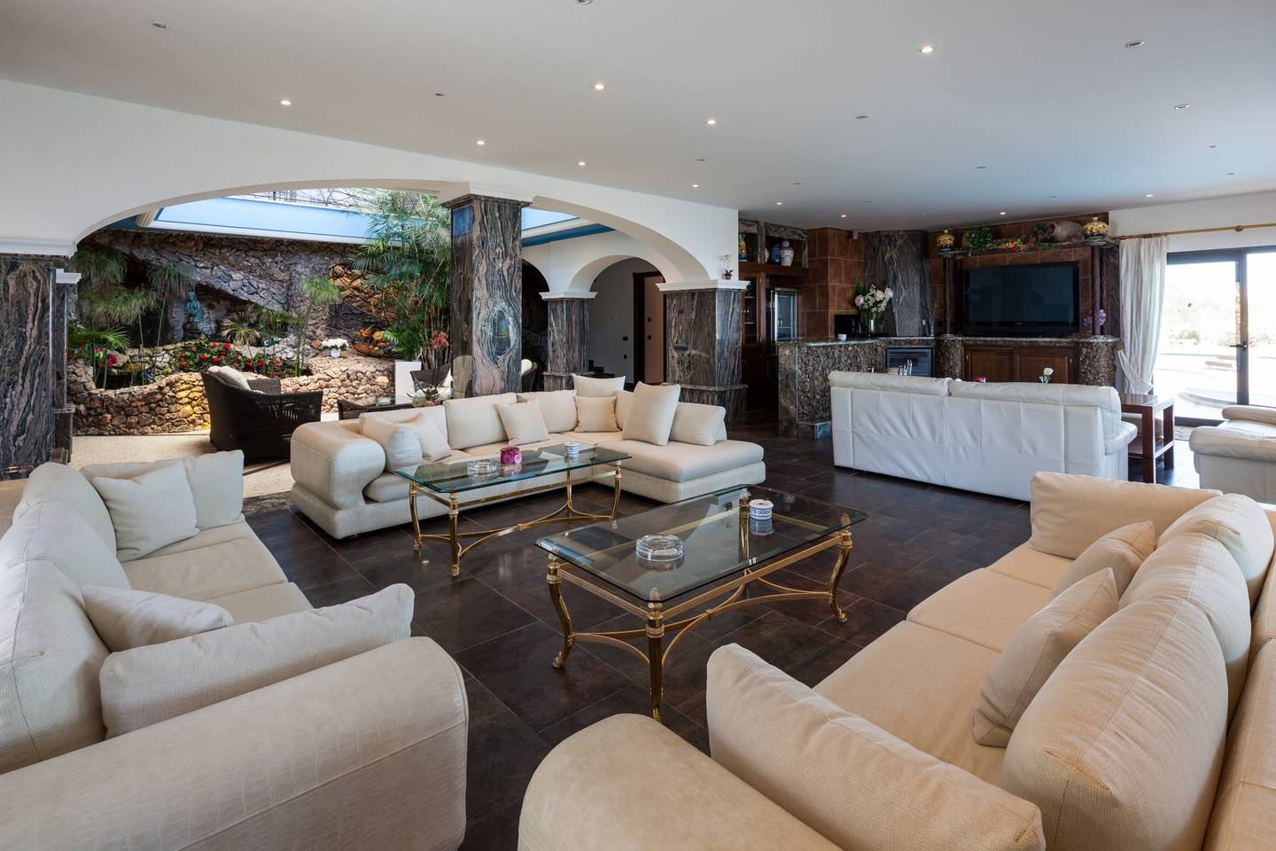 Apartment Amazing luxurious 10 BR Villa with stunning views photo 18664096