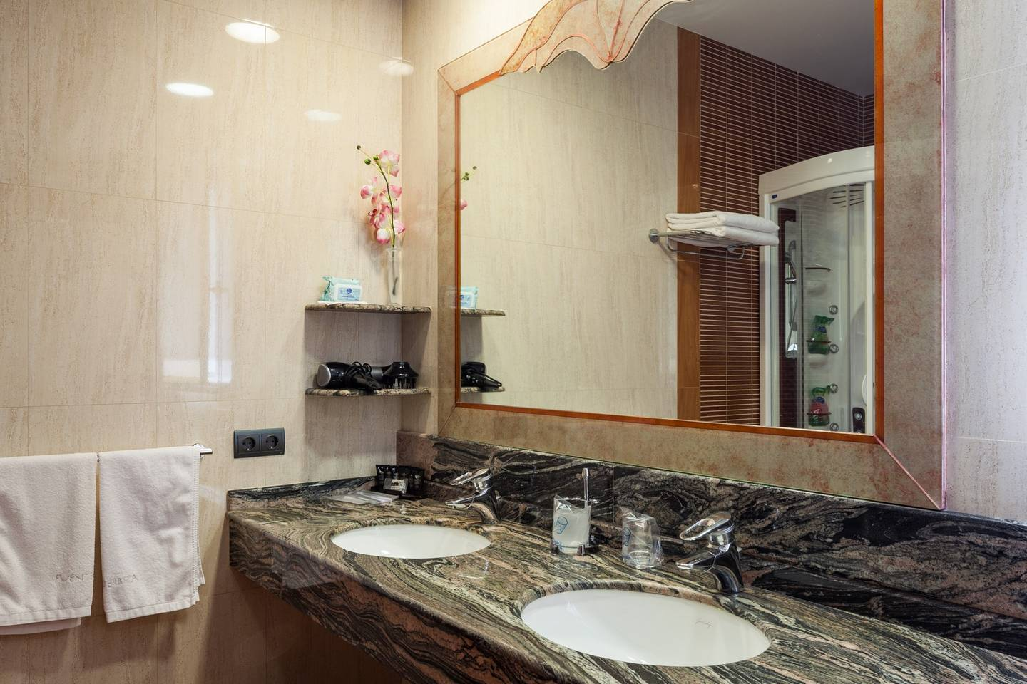 Apartment Amazing luxurious 10 BR Villa with stunning views photo 23929269
