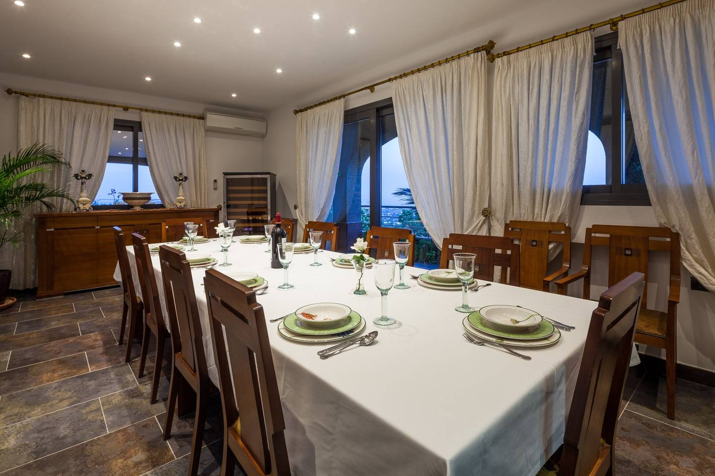 Apartment Amazing luxurious 10 BR Villa with stunning views photo 18559258