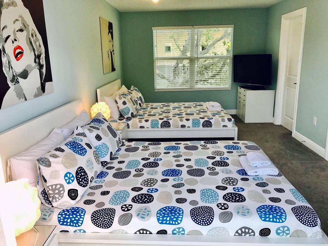 4 Bedroom house steps from Riverwalk FtLauderdale photo 23163187