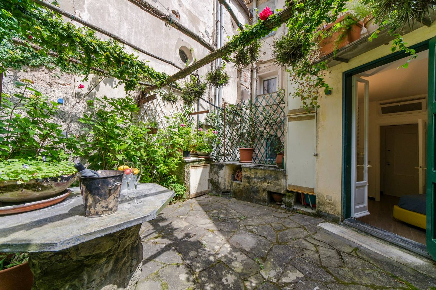 Apartment Hintown  La Finestra sulla Piazzetta a Portofino photo 18397211